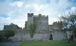 Description: Cahir Castle, Co. Tipperary